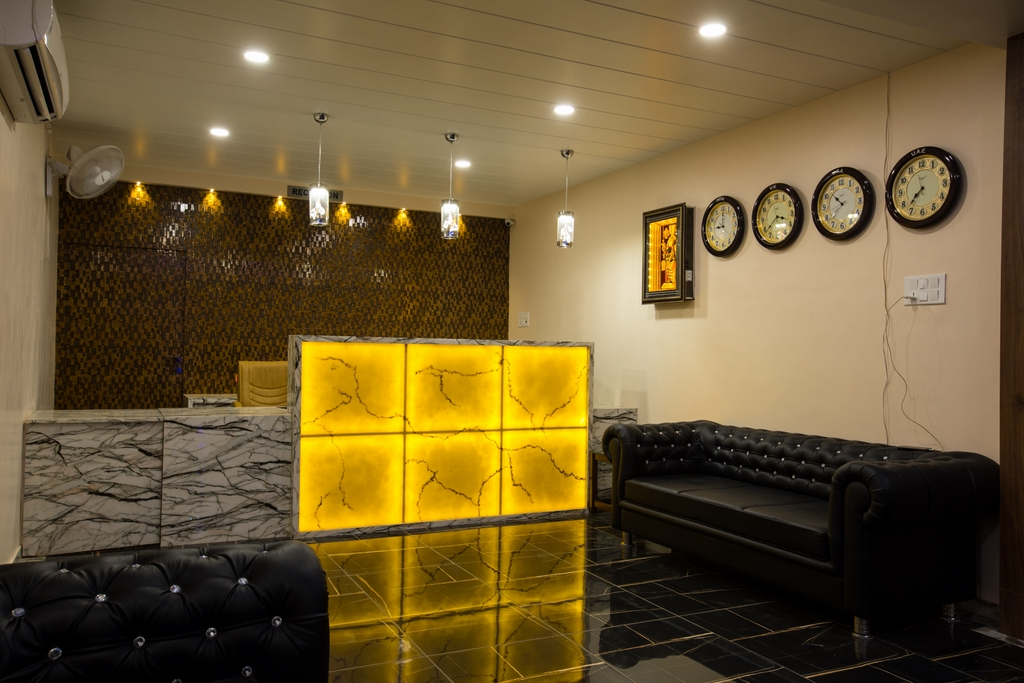 Hotel Balaji Palace Reception